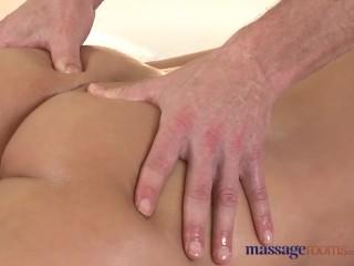 Massage Rooms Czech stunner has G-spot orgasm before getting hard fucking