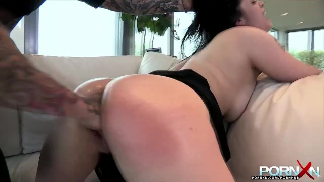 Hairdresser porn Pornxn busty fisting and stuffing a hair dryer