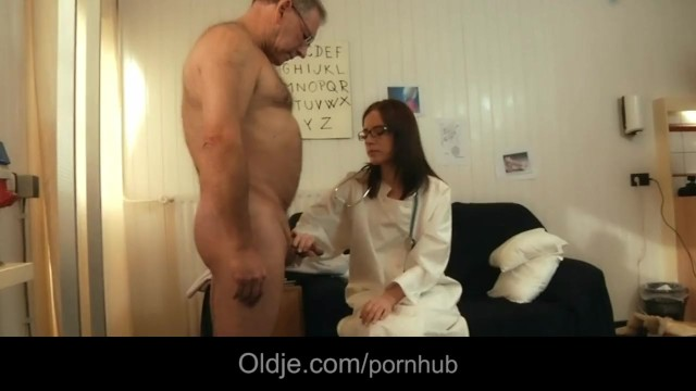 Nude medical assistant - 66 old senior fucks his young doctoresse in the medical cabinet
