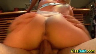 Piss lover gets pussy peed on Blow sclip
