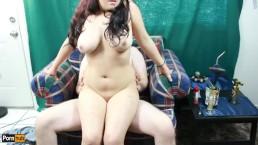 Quickie w / Daisy Dabs 6: Roken tiener speelt met speelgoed en rijdt pik creampie