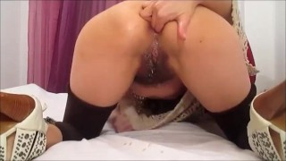 Slut makes Self Fisting and Squirt