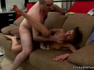 Pozitiv videos blonde russian stepsister couch fucked by stepbro dirtystepsister tee