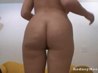 Blonde Teen Babe Britney Young Blowjob and Facial