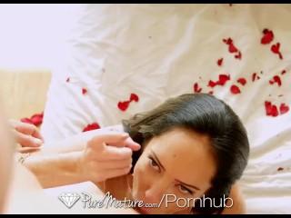 HD PureMature – Brunette milf Bella gets ready for her man on Valentine's D