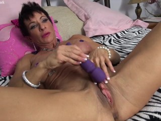 Voyeur Confessions And Str8up Muscular Anna Phoenixxx Plays With Her Big Clit, Fetish Masturbation Mature