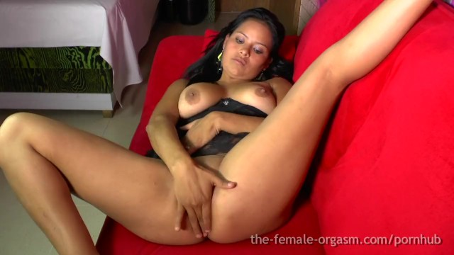 Eating Fat Latina Pussy