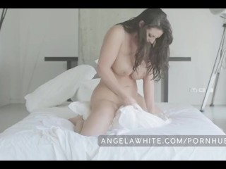 Amateur Small Nude White Woman Big Tit Australian Angela White Masturbating in Bed