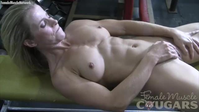 Mature Claire Masturbates In The Gym - Pornhubcom-3283