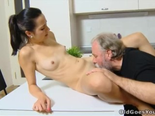 Old Goes Young – Lora and her man are in the kitchen