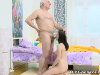 I Want To Have Sex With My Step Dad Fucking, Old Goes Young- alenA and her man are together In bed Hardcore Teen Threesome