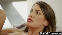 BLACKED August Ames krijgt een interraciale creampie