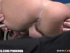 Brazzers - Big-Tit Brunette Milf Eva Notty Fucks Her Daughter'S Boyfriend
