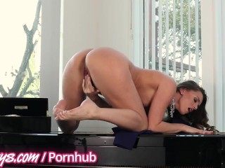 Porn Chubby Free Twistys - Karlie and Tori Black finger themselves