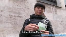 PublicAgent chaude nana asiatique baise un inconnu pour de l'argent