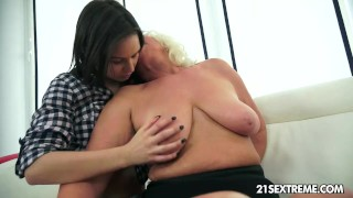 Anina loves the taste of an old pussy Young theartporn
