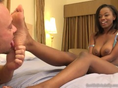 Jezabel Vessir Has Pale Soles Cummed On