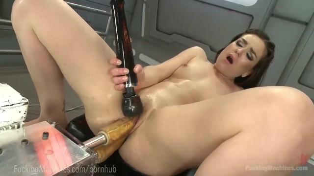 Быстрая дрочка с роботом вагины видео фото