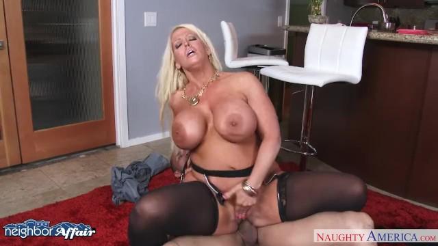 Naughty mature neighbor Busty blonde alura jenson fuck her neighbor