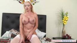Nurse girlfriend Nikki Benz fucking