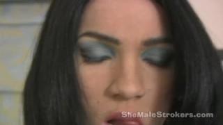 Горячие фильмы порно - Shemale Strokers - Close Up Большие Сиськи Большой Член Транссексуал Ts Дженнифер Поглаживая И Принимая