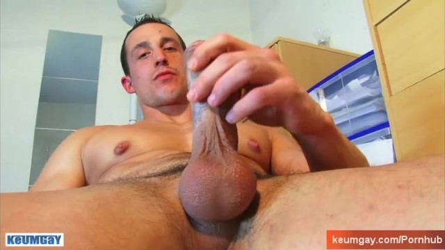 Eric nies gay - Eric a real hetero guy gets wanked his huge cock by a us despite of himself
