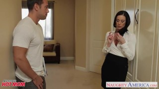 Chesty mom Kendra Lust gets facial And toilet