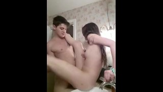 Cheerleader Bathroom Sextape
