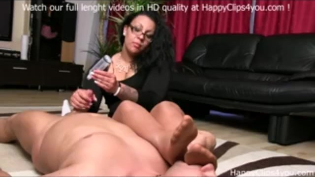 Clips tgp Foot smelling handjob by gina
