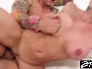 Wcp Anal Club Kendra Lust Gets Her Big Ass Out For A Fucking