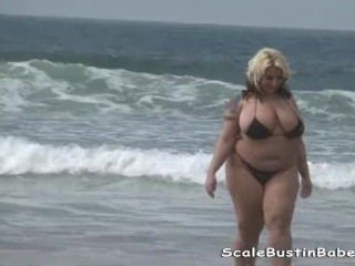 Beach Babe Porsche Dali BBW Ass Licking