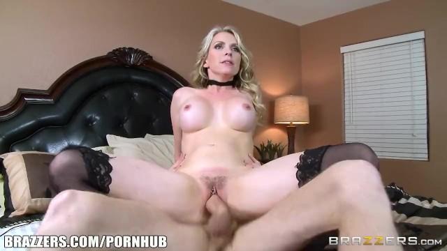 Sexy Step Mom Courtney Fucks Søn - Brazzers - Pornhubcom-3061
