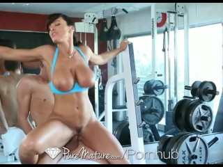 Stella Michaells Lisa Ann Workout Is Giving A Young Man A Hard Cock - Puremature