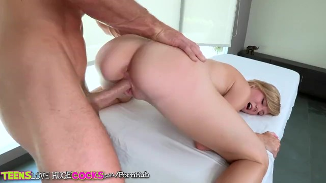 Teens Loves huge Cocks - Cute blonde gets a little extra with her massage