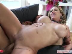Big assed mom Eva Nott... video