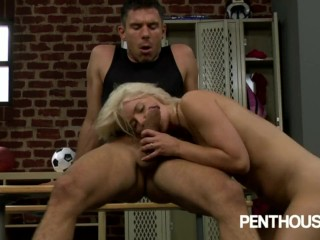 Blonde babe Annika Albrite fucks in locke room