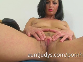Roxanne is One Sexy British MILF