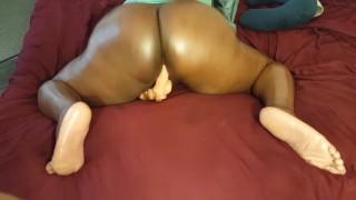 JadeJordan plays with pussy till orgasm