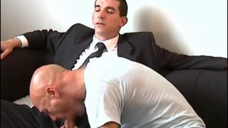 Str8 vendor gets sucked by a client to win a new contract.