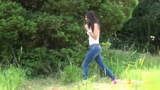 Got2Pee - Peeing Women Compilation 001