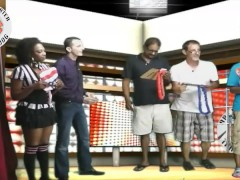 NEW YORK Game Show - Are You Smarter Than a Hot Dog ?