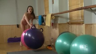 Russian fitness babe fucks herself in the gym And daughter