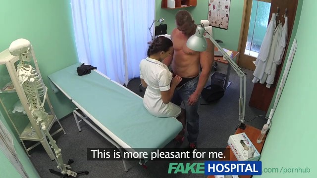 Big tit body builder Fakehospital fit nurse sucks and fucks body builder