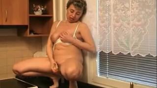 ingyenes ében tini pornó cső