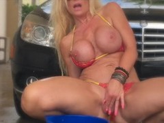 Kelley washes her car and pussy in public