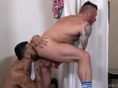 Men Over 30 Fitting Room Fun