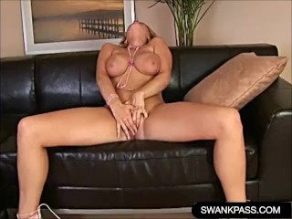 Porn hub free video mature mom can t resist her pantyhose fetish mom mom pantyhose mom ti
