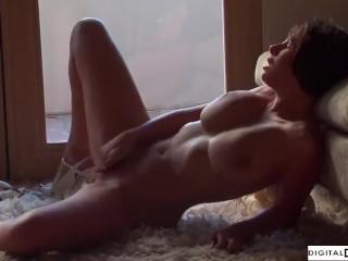Gianna Michaels Big Boob Star Pleasuring Herself