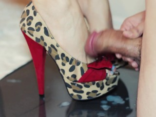 Look at those Feet! Hot Babe Nikki Wolfe gives a Footjob In Sexy High Heels