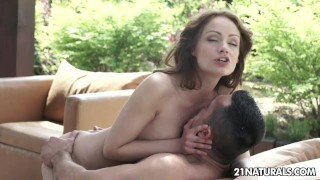 Early morning anal with Sophie Lynx
